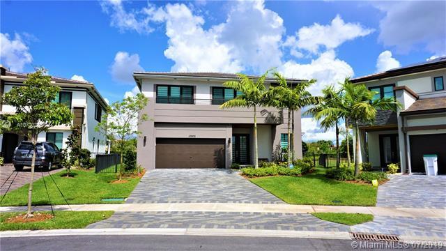 10975 E Windward St, Parkland, FL 33076 (MLS #A10700280) :: Green Realty Properties
