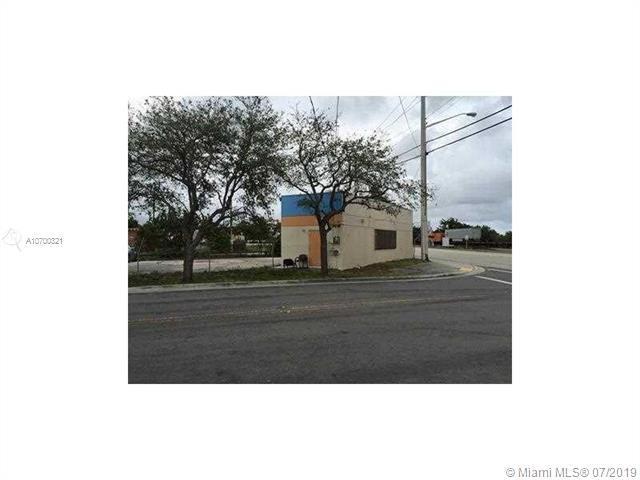 1301 N Dixie Hwy, Pompano Beach, FL 33060 (MLS #A10700321) :: The Teri Arbogast Team at Keller Williams Partners SW