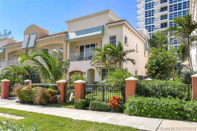 3239 NE 5th St, Pompano Beach, FL 33062 (MLS #A10700337) :: Green Realty Properties
