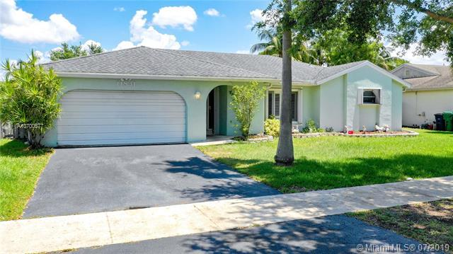 11831 SW 49th Ct, Cooper City, FL 33330 (MLS #A10700577) :: Grove Properties
