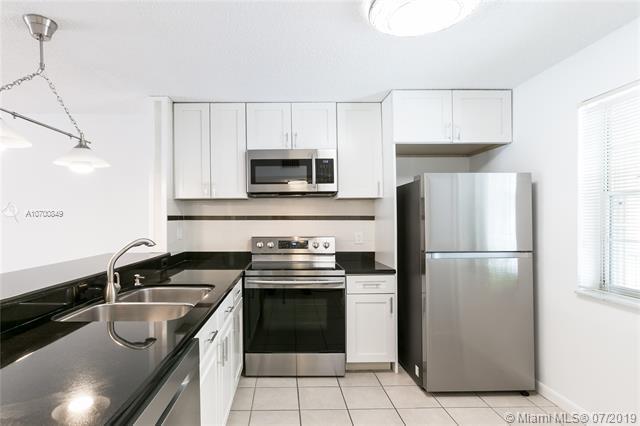 5561 Lakeside Dr #206, Margate, FL 33063 (MLS #A10700849) :: Grove Properties