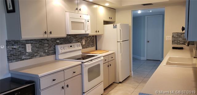 1480 Sheridan St 11B, Hollywood, FL 33020 (MLS #A10701037) :: Grove Properties