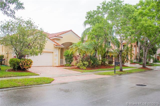 3688 Heron Ridge Ln, Weston, FL 33331 (MLS #A10701131) :: Ray De Leon with One Sotheby's International Realty