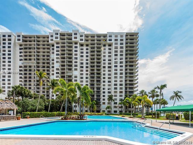 18151 NE 31st Ct #210, Aventura, FL 33160 (MLS #A10701197) :: Grove Properties