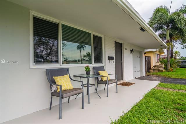 1120 NW 79th Ter, Pembroke Pines, FL 33024 (MLS #A10701413) :: The Teri Arbogast Team at Keller Williams Partners SW