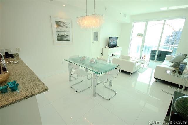 950 Brickell Bay Dr #4701, Miami, FL 33131 (MLS #A10701606) :: Grove Properties