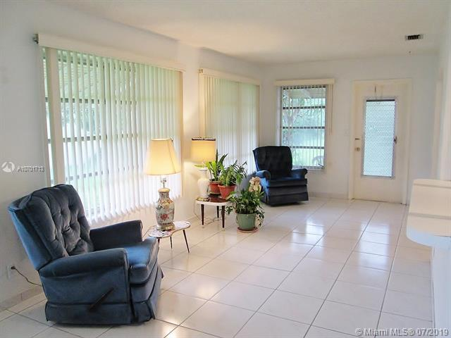 4910 NW 44th Ter, Tamarac, FL 33319 (MLS #A10701713) :: Grove Properties