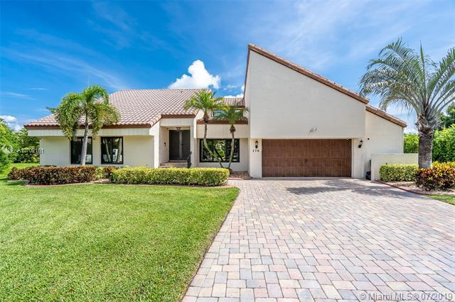 176 NW 114th Way, Coral Springs, FL 33071 (MLS #A10702161) :: The Paiz Group
