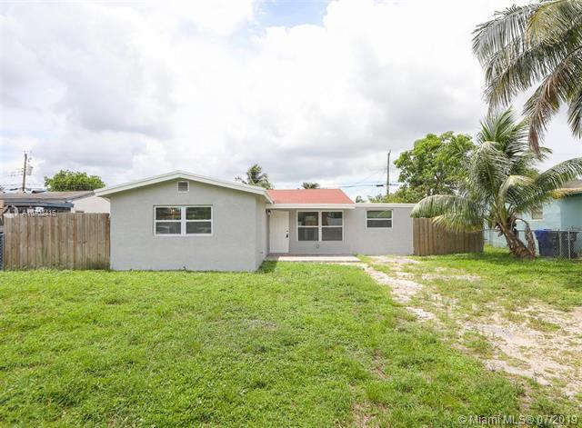 6660 Custer St, Hollywood, FL 33024 (MLS #A10702415) :: The Teri Arbogast Team at Keller Williams Partners SW