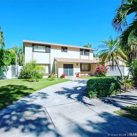 13011 SW 116th St, Miami, FL 33186 (MLS #A10702777) :: Green Realty Properties