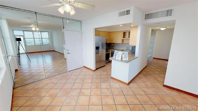 7441 Wayne Ave 14J, Miami Beach, FL 33141 (MLS #A10702884) :: The Edge Group at Keller Williams
