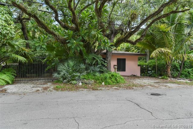 3130 Emathla St, Coconut Grove, FL 33133 (MLS #A10702910) :: The Riley Smith Group