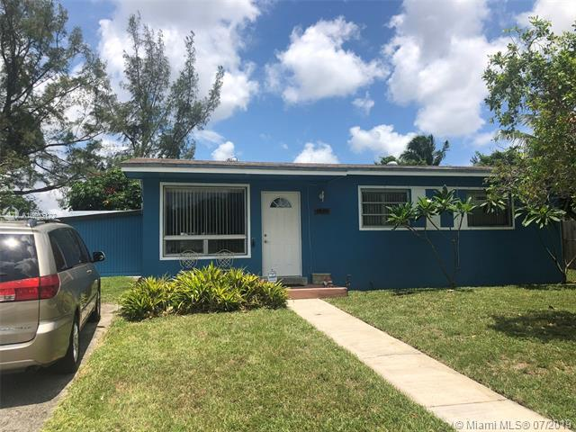 3901 SW 33rd St, West Park, FL 33023 (MLS #A10703122) :: The Teri Arbogast Team at Keller Williams Partners SW