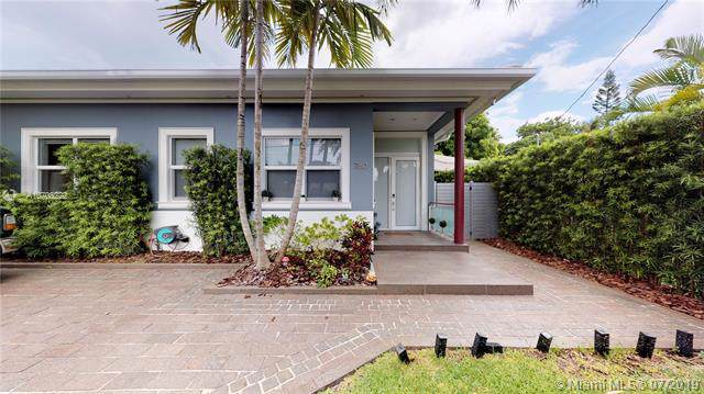 780 NE 88 ST, Miami, FL 33138 (MLS #A10703222) :: Ray De Leon with One Sotheby's International Realty