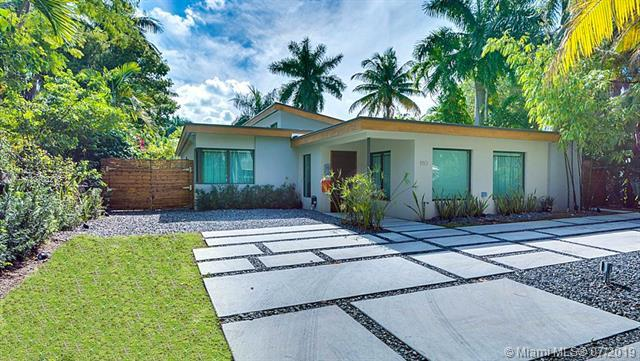 110 Venetian Way., Miami Beach, FL 33139 (MLS #A10703276) :: Grove Properties