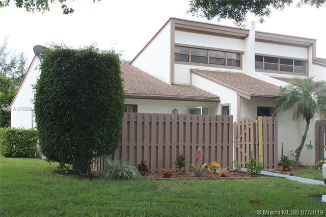 1934 Monks Ct, West Palm Beach, FL 33415 (MLS #A10703280) :: The Paiz Group