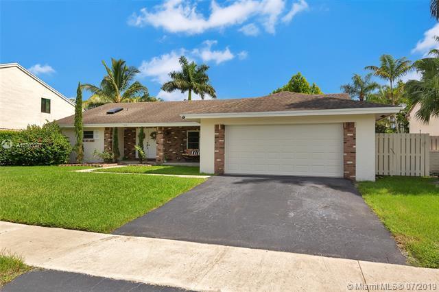 14441 Lexington Pl, Davie, FL 33325 (MLS #A10703387) :: Grove Properties