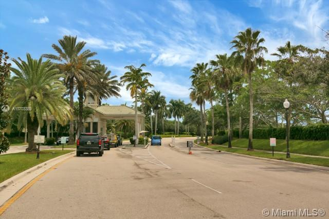 879 Stillwater Ct, Weston, FL 33327 (MLS #A10703389) :: Grove Properties