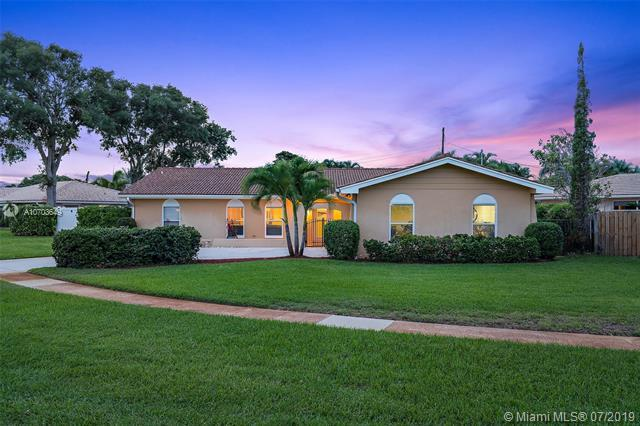 1821 Ascott Rd, North Palm Beach, FL 33408 (MLS #A10703649) :: Green Realty Properties