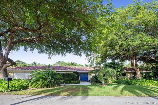 17305 SW 78th Ct, Palmetto Bay, FL 33157 (MLS #A10703747) :: Berkshire Hathaway HomeServices EWM Realty