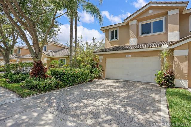 15866 SW 11th St, Pembroke Pines, FL 33027 (MLS #A10703828) :: Grove Properties