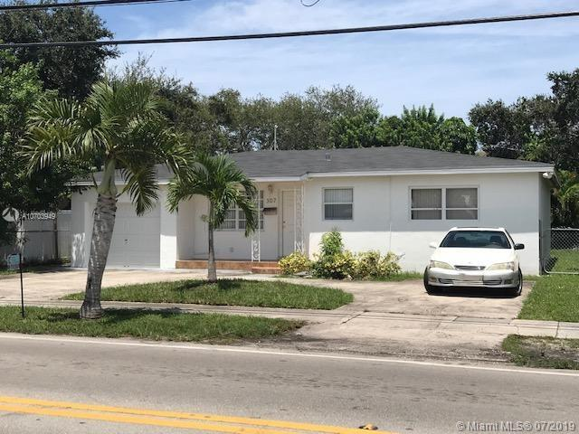 307 S 28th Ave, Hollywood, FL 33020 (MLS #A10703949) :: Berkshire Hathaway HomeServices EWM Realty