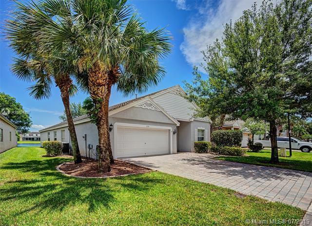 235 Kensington Way, Royal Palm Beach, FL 33414 (MLS #A10704007) :: Castelli Real Estate Services