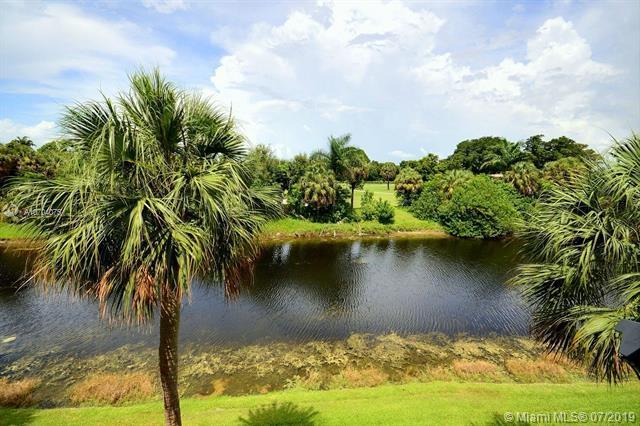 405 S Pine Island Rd 310D, Plantation, FL 33324 (MLS #A10704075) :: Berkshire Hathaway HomeServices EWM Realty