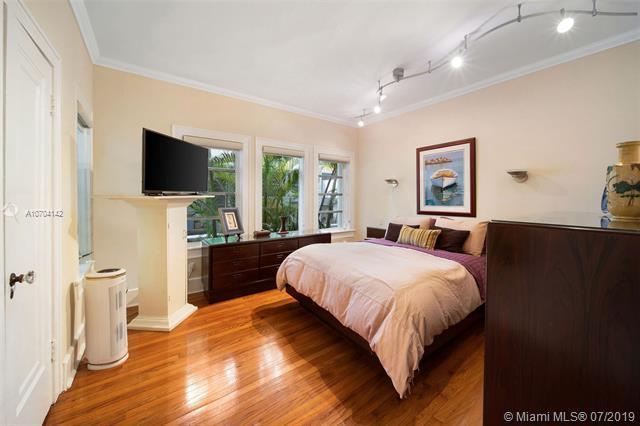 1309 Obispo Ave, Coral Gables, FL 33134 (MLS #A10704142) :: Grove Properties