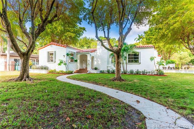 7402 SW 54th Ave, Miami, FL 33143 (MLS #A10704376) :: The Adrian Foley Group