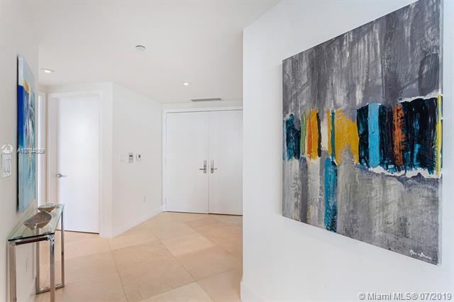 1331 Brickell Bay Dr #1511, Miami, FL 33131 (MLS #A10704589) :: Berkshire Hathaway HomeServices EWM Realty