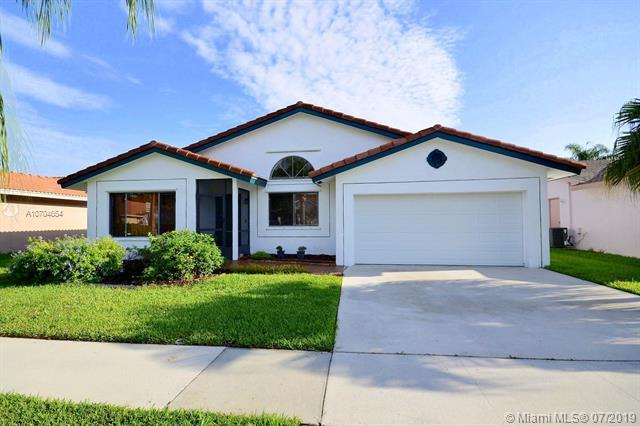 10091 SW 17th Ct, Davie, FL 33324 (MLS #A10704654) :: United Realty Group