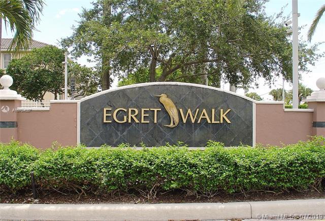 835 SW 117th Ave, Pembroke Pines, FL 33025 (MLS #A10704667) :: Berkshire Hathaway HomeServices EWM Realty