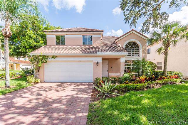 9257 Magnolia Ct, Davie, FL 33328 (MLS #A10704688) :: The Paiz Group
