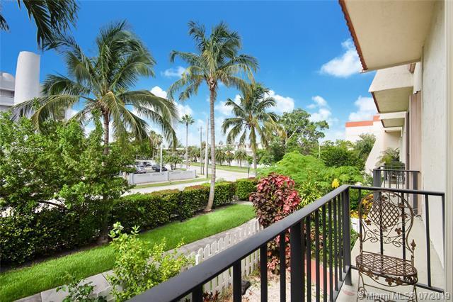1651 NE 115 TH ST 41C, Miami, FL 33181 (MLS #A10704739) :: Berkshire Hathaway HomeServices EWM Realty