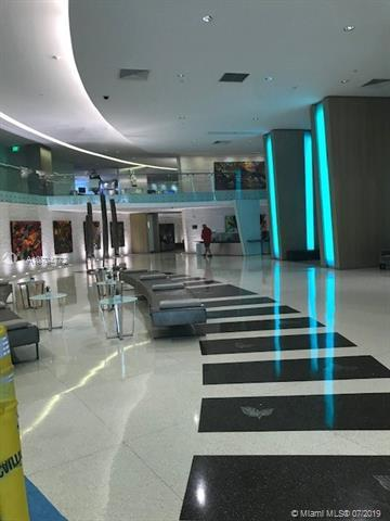 92 SW 3rd St #3307, Miami, FL 33130 (MLS #A10704772) :: Berkshire Hathaway HomeServices EWM Realty