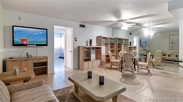 541 Blue Heron Dr #113, Hallandale, FL 33009 (MLS #A10704785) :: Castelli Real Estate Services