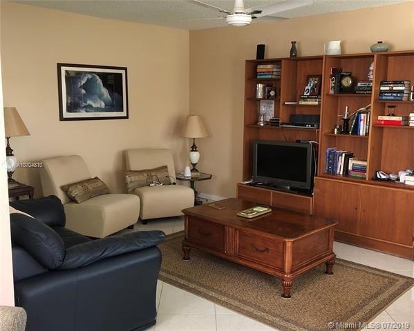 239 Dorset F #239, Boca Raton, FL 33434 (MLS #A10704810) :: Grove Properties