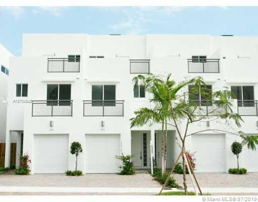 818 NE 19th Ave, Fort Lauderdale, FL 33304 (MLS #A10704842) :: Grove Properties