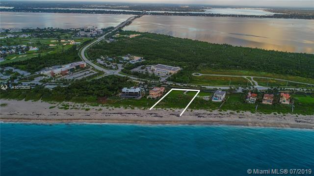 1045 NE Doubloon Dr, Stuart, FL 34996 (MLS #A10705038) :: RE/MAX Presidential Real Estate Group