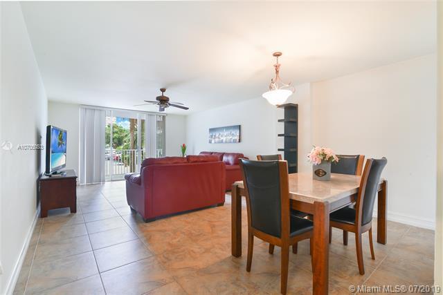 2801 NE 183rd St 105W, Aventura, FL 33160 (MLS #A10705053) :: Berkshire Hathaway HomeServices EWM Realty