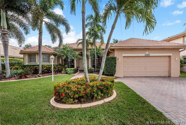13847 NW 23rd St, Pembroke Pines, FL 33028 (MLS #A10705228) :: Grove Properties