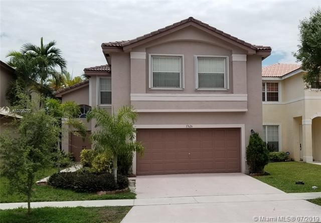 17626 SW 32nd St, Miramar, FL 33029 (MLS #A10705270) :: Green Realty Properties
