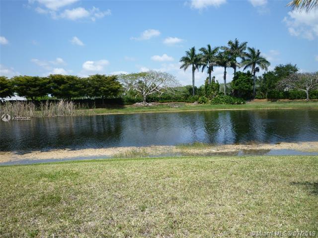 1650 Orion Ln, Weston, FL 33327 (MLS #A10705340) :: Green Realty Properties