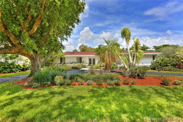 12990 SW 74th Ct, Pinecrest, FL 33156 (MLS #A10705636) :: Berkshire Hathaway HomeServices EWM Realty