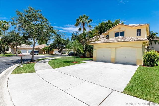 14262 N Royal Cove Cir, Davie, FL 33325 (MLS #A10705655) :: The Jack Coden Group