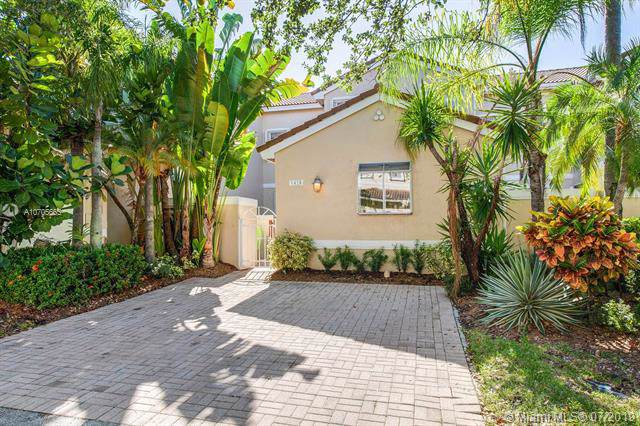 1420 Weeping Willow Way, Hollywood, FL 33019 (MLS #A10705665) :: Grove Properties