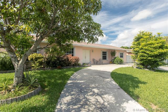 10954 SW 159th Ter, Miami, FL 33157 (MLS #A10705715) :: Green Realty Properties