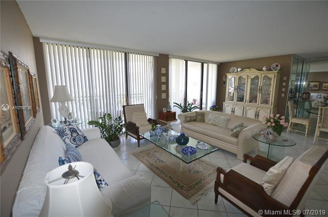 17720 N Bay Rd #901, Sunny Isles Beach, FL 33160 (MLS #A10705736) :: Grove Properties
