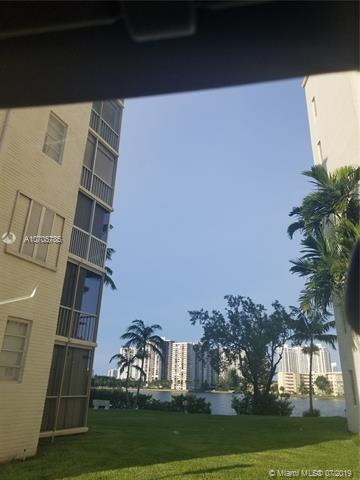 2861 Leonard Dr F 114, Aventura, FL 33160 (MLS #A10705785) :: Berkshire Hathaway HomeServices EWM Realty
